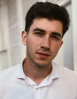 Влад Якущенко